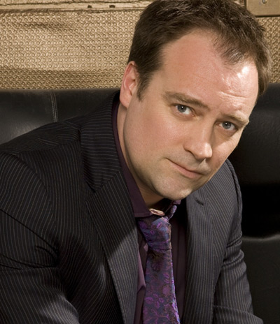 http://stargate-sg1-solutions.com/blog/wp-content/uploads/2008/12/david-hewlett.jpg