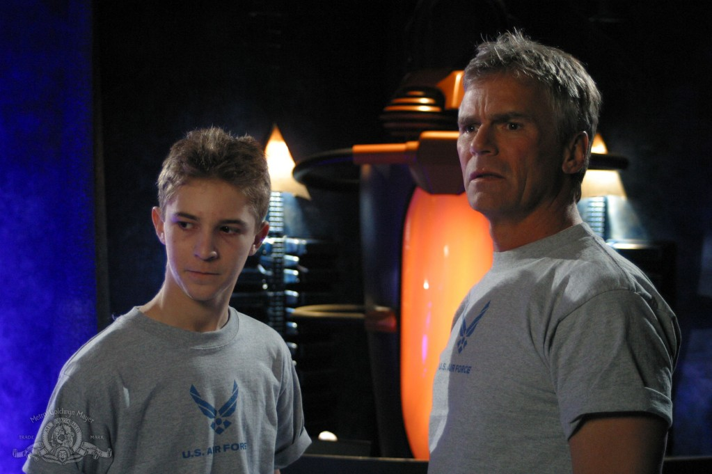 Jack O'Neill and his young clone in 'Fragile Balance'