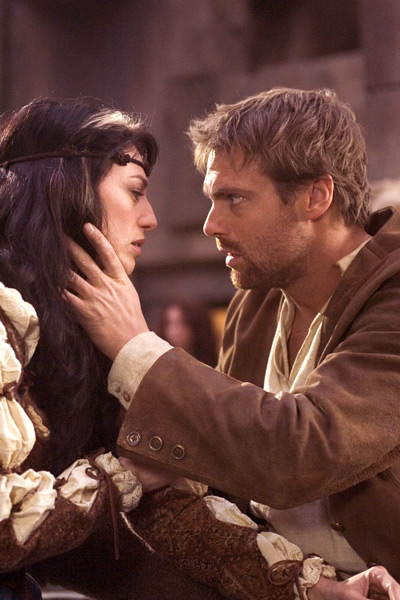 Vala Mal Doran is comforted by Daniel Jackson in 'Avalon 2'
