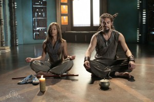 Teyla Emmagan teaches Ronon Dex how to meditate in 'Echoes'